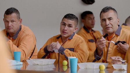 觀賞哥倫比亞:毒梟監獄。第 3 季第 2 集。