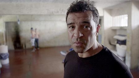 觀賞哥斯大黎加:雙面刃監獄。第 3 季第 1 集。